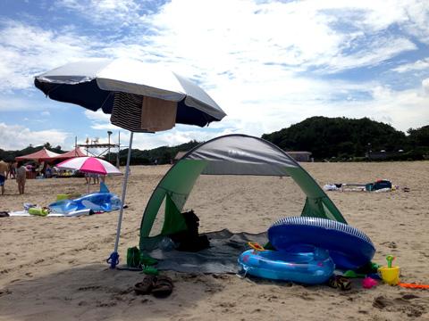 パラソルとテント